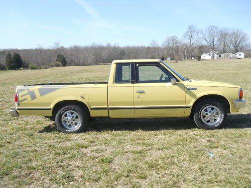 Nissan-Pick-UP-2.0-1986-10